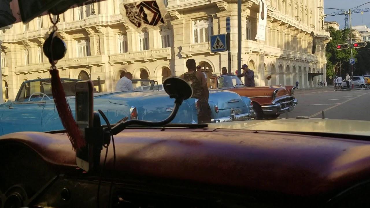世界一周放浪の旅~キューバのクラシックカーはラテンアメリカ!~