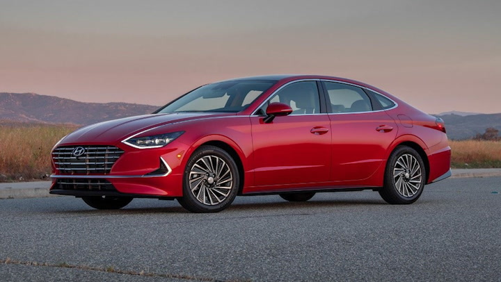 Hyundai Stuns With Apple-Car Deal Reveal, Then Hits the Brakes